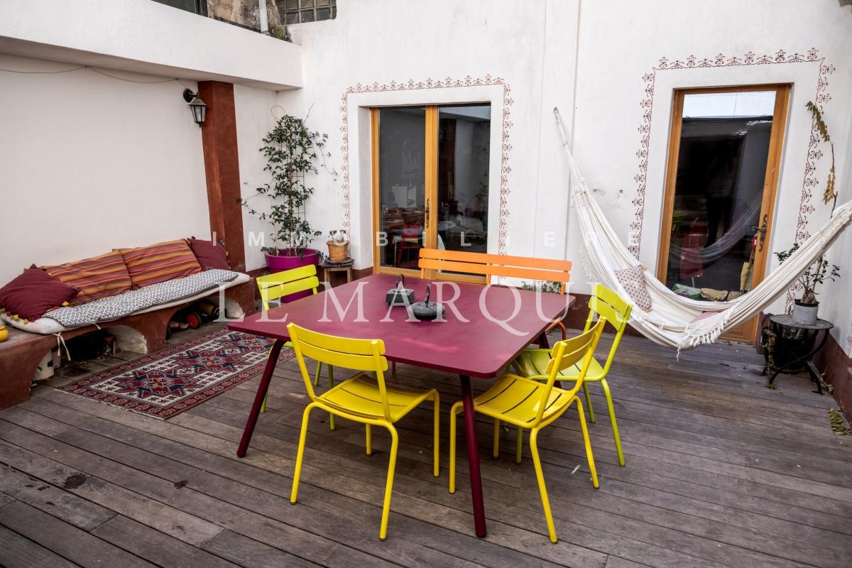Agora de ce loft d'exception, charmant patio pour de nombreux moments conviviaux