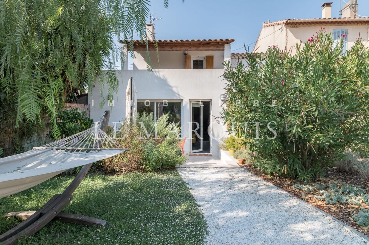 Agréable maison avec jardin paysager