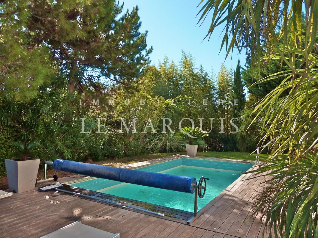 Agréable piscine de 7x4m