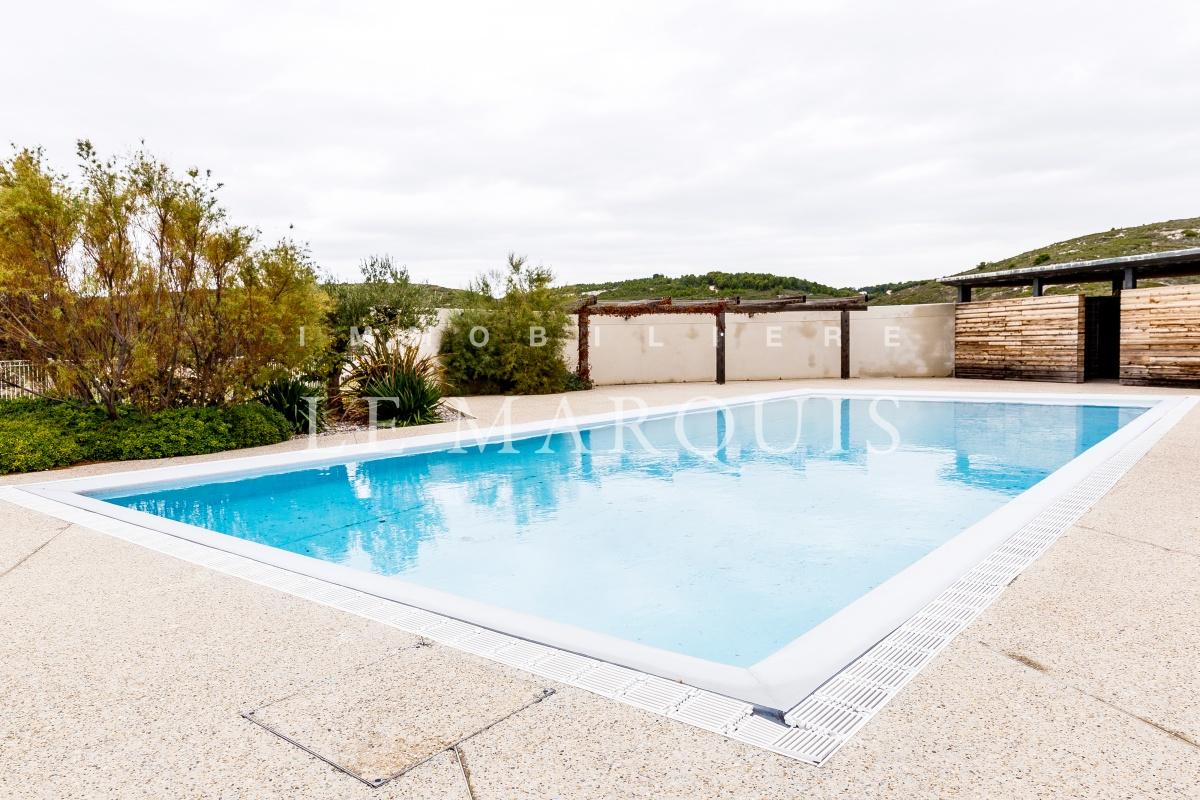 Agréable piscine dans la résidence