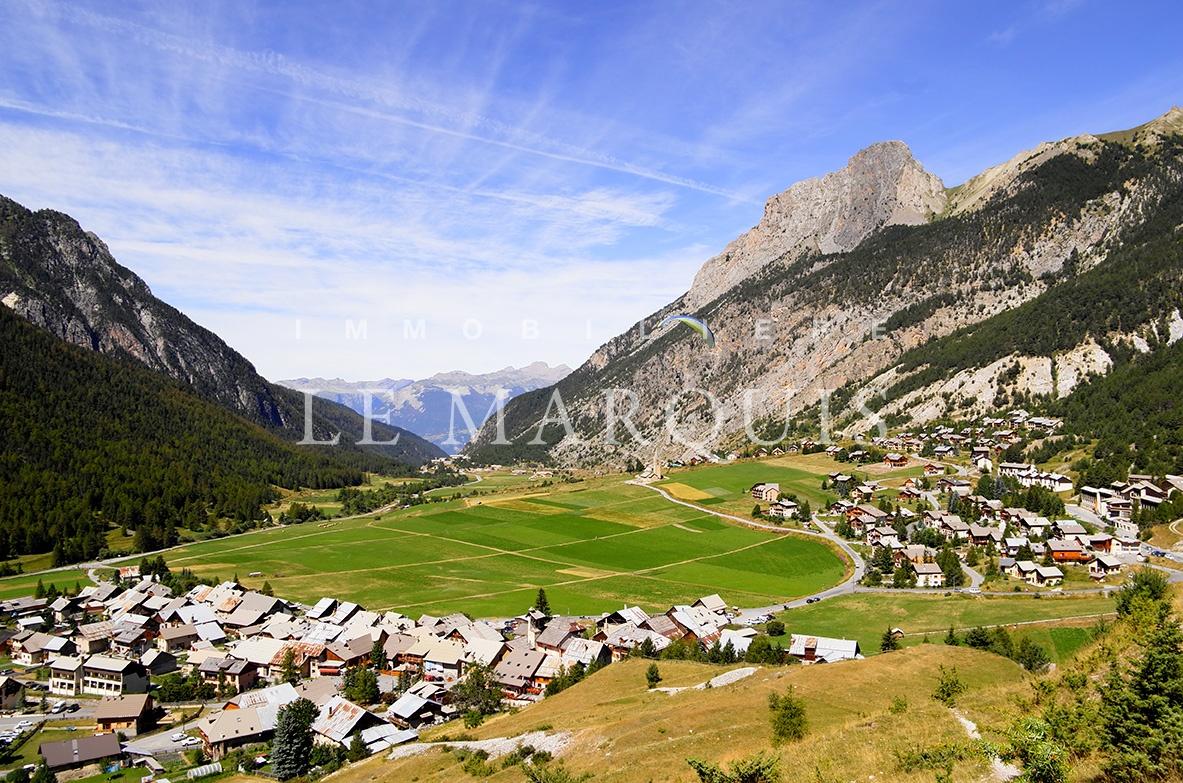 Le magnifique village de Ceillac-en-Queyras en été